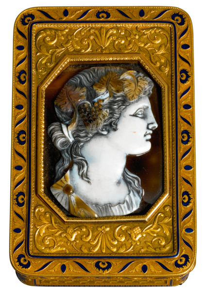 Gold and Enamel Snuff Box with Cameo
