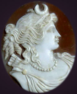 Cameo jewellery showing straight nose of Diana the Huntress