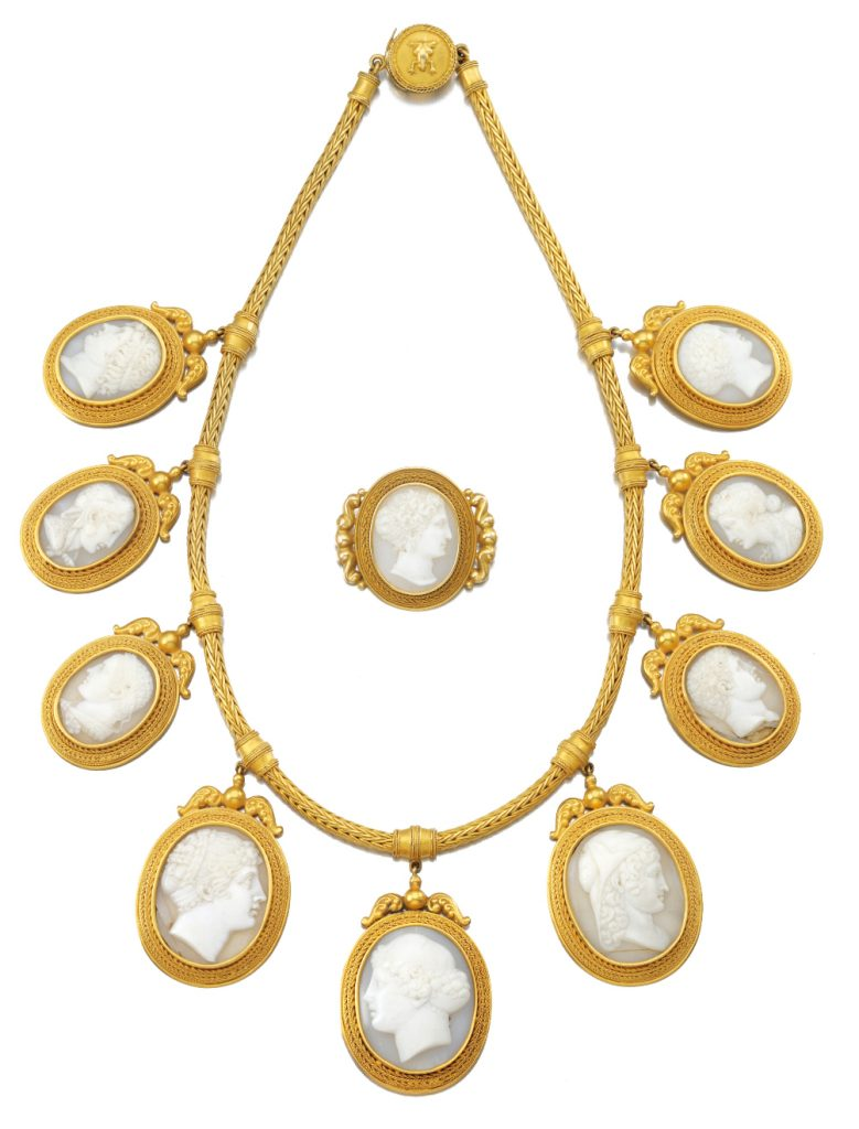 Cameo Jewellery Set