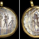 A ROMAN GOLD AND BANDED AGATE MAGICAL PENDANT CIRCA 3RD-4TH CENTURY A.D.