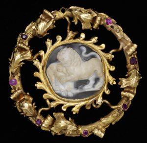 Spanish Ring Brooch