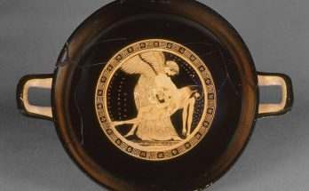 Attic Red Figure Cup depicting Eos