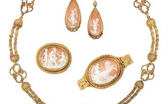 Antique Gold and Shell Cameo Parure