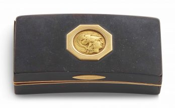 GOLD AND TORTOISESHELL SNUFFBOX BY PIERRE-ANDRE MONTAUBAN