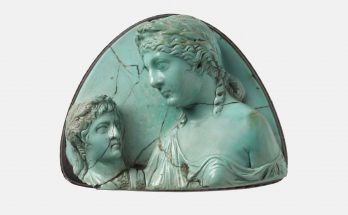 Cameo with Livia holding a bust of Augustus